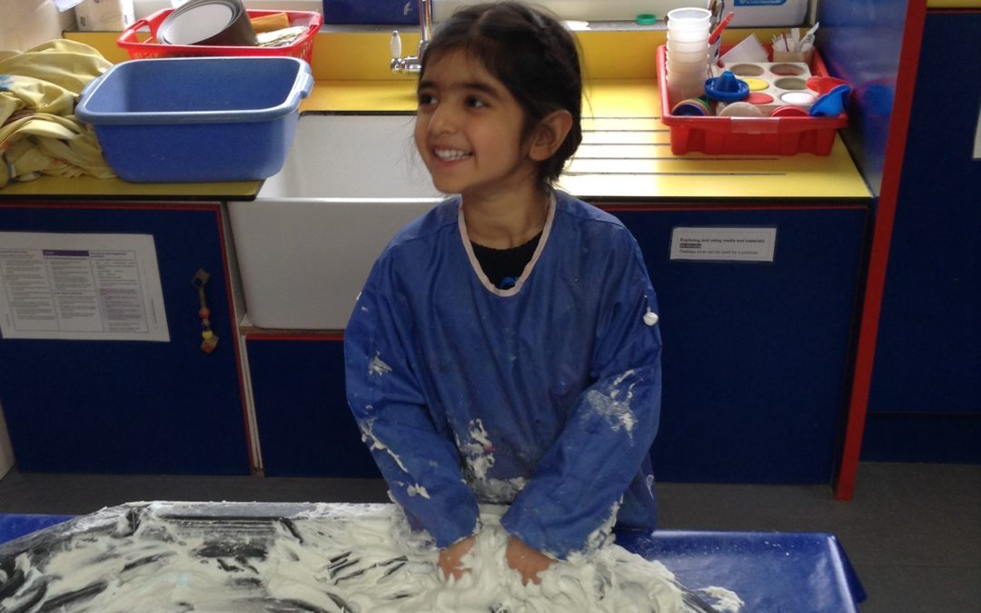 Messy Play – By Alison (Badgers Room)